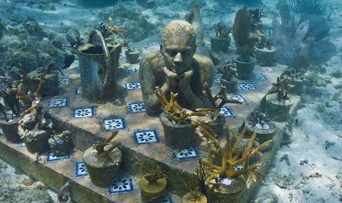 Подводният музей на Мексико