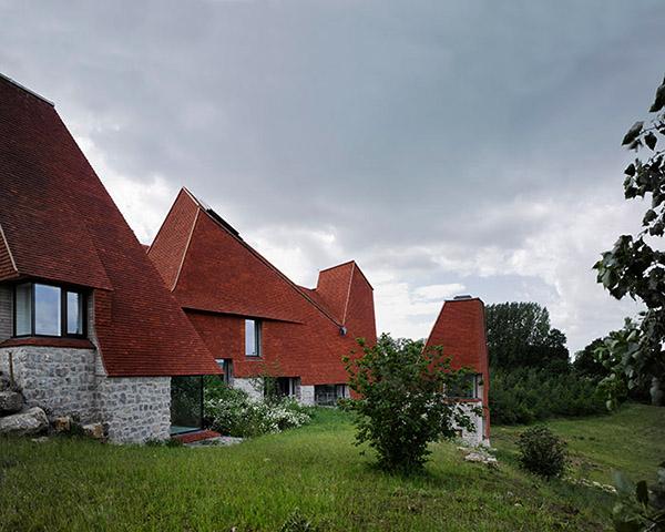 Къща с четири кули спечели годишната британска награда за 2017 г.