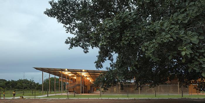 Училищна сграда спечели наградата на Кралския институт на британските архитекти за 2018