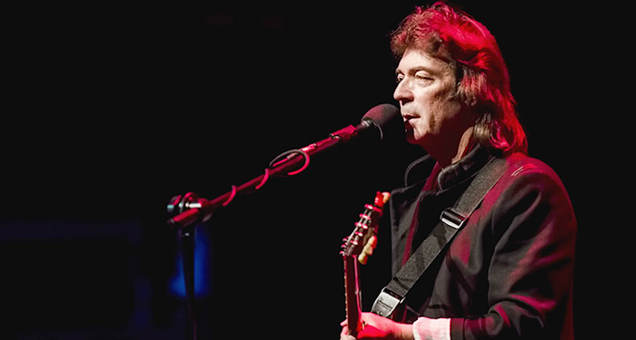 Китаристът на Genesis Стив Хакет с концерт в България през 2019 г.