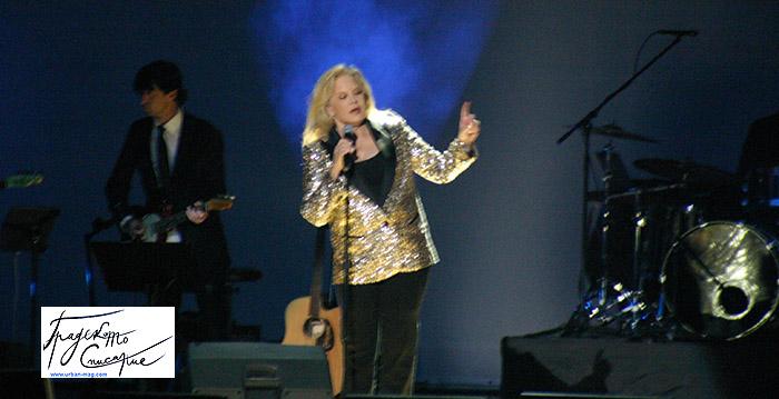 Силви Вартан подготвя нов албум с песни на Джони Холидей