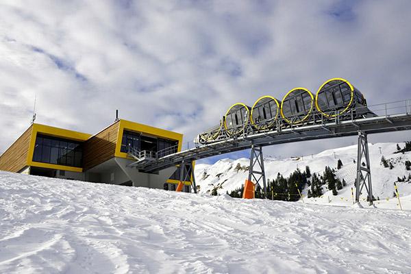 Най-стръмният въжен влак в света се намира в Швейцария